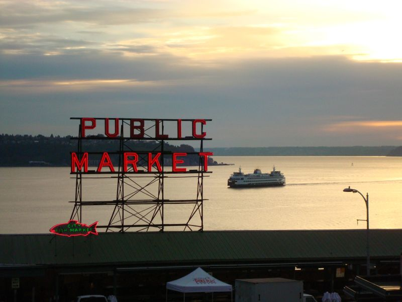 Pikes Market sign