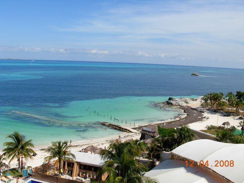Cancun Fam Karen R034