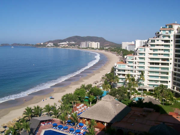 Ixtapa beach 2